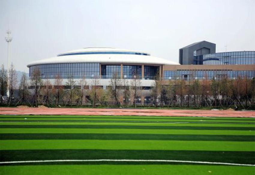 青岛十九中等五所学校内,将建设教职工住房992套,解决外迁学校教职工