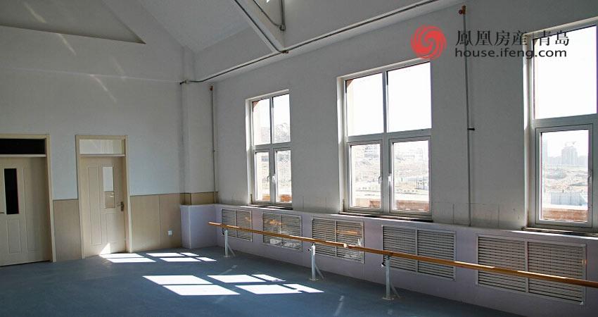 小学教室墙裙设计图