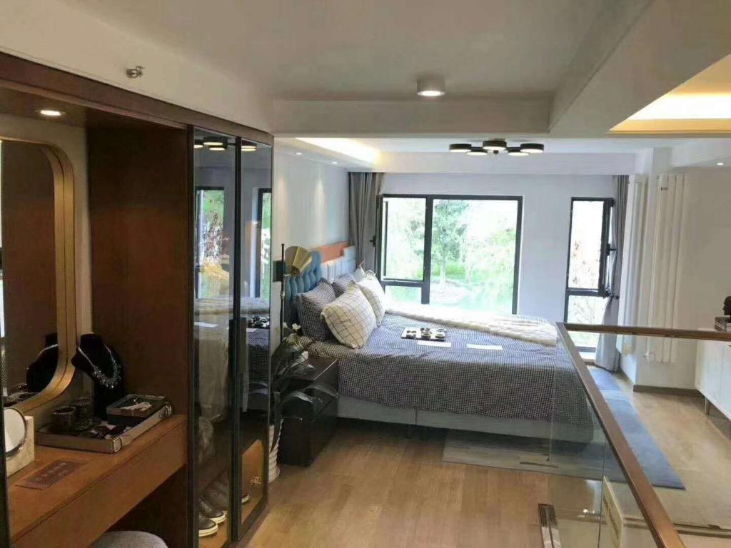 八达岭孔雀城高铁旁精装复式公寓买一层赠一层小户型低总价